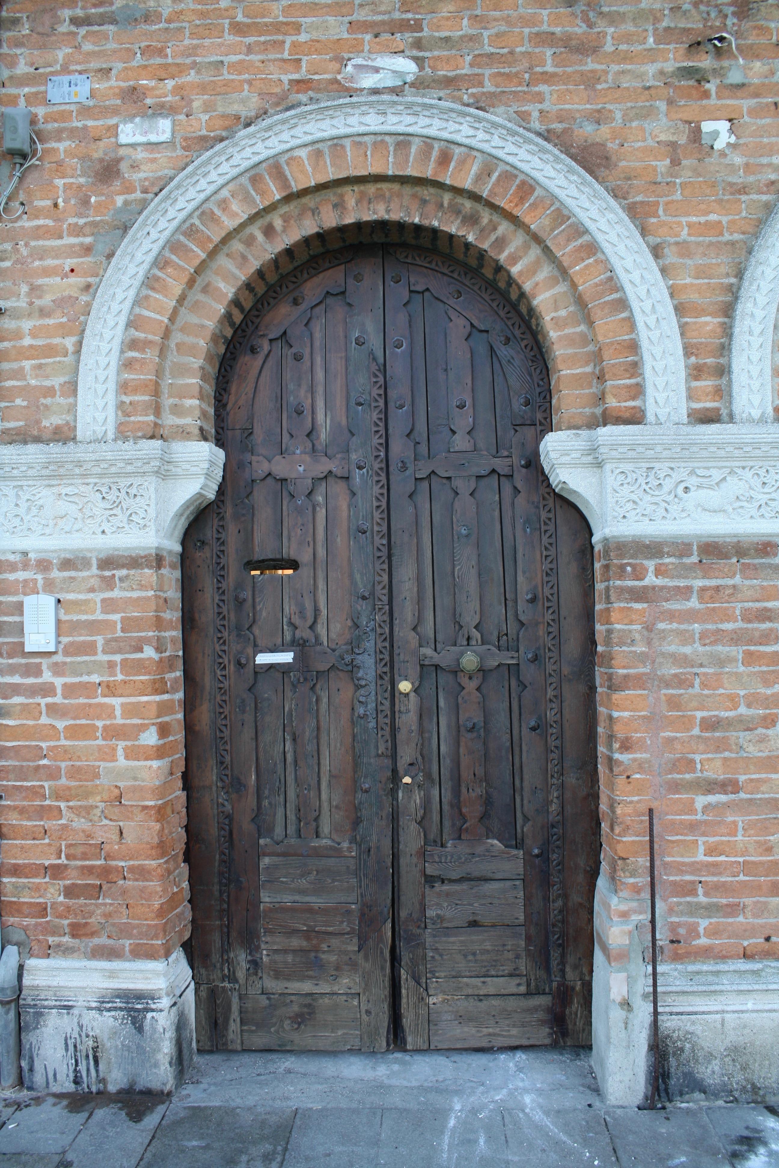 On The Left Gothic Palazzo Giustinian Faccanon 15th Century